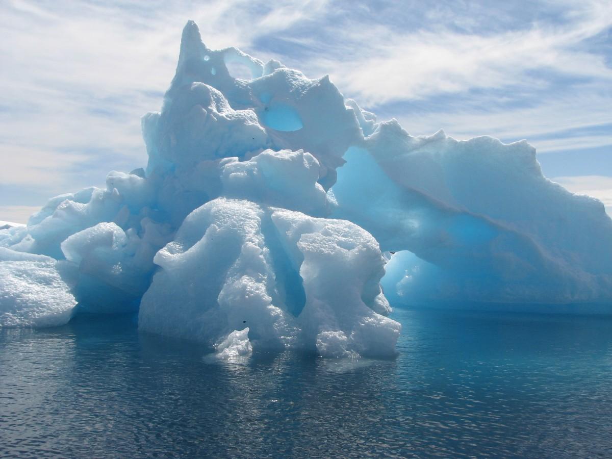 南极冰架加速融化 仪器帮助我们看到更多